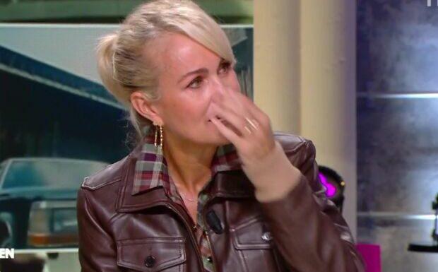 Laeticia Hallyday en larmes dans Quotidien devant des images de Johnny
