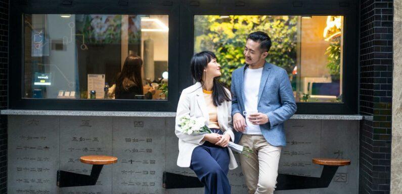 """Les """"butler cafés"""", ces bars à jeunes hommes attentionnés qui affolent les célibataires chinoises"""