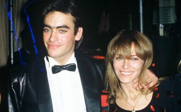 PHOTO – Anthony Delon nostalgique pour son anniversaire: sa mère lui manque…