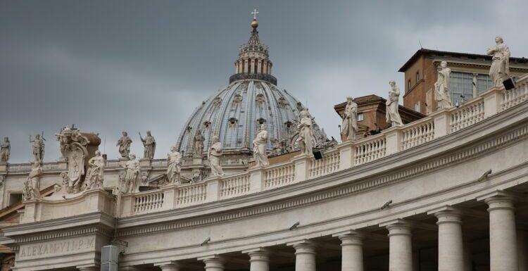 Un prêtre arrêté après avoir détourné 100.000 euros pour des parties fines avec du GHB