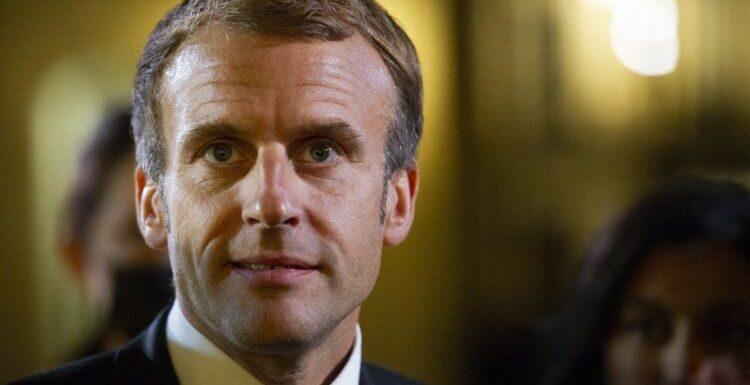 Emmanuel Macron : cette délicate attention sous forme de carte postale