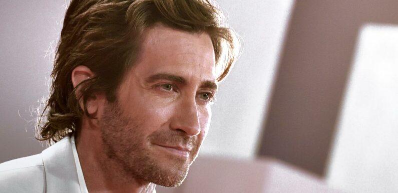 """Jake Gyllenhaal raconte pourquoi c'était une """"torture"""" de tourner avec Jennifer Aniston"""
