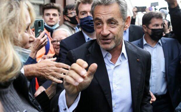 Nicolas Sarkozy «rassuré» après un premier bain de foule suite à sa condamnation