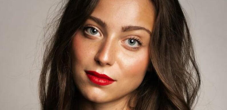 Qui est Julie Bève, hôtesse de l'air sacrée Miss Limousin 2021-PHOTOS