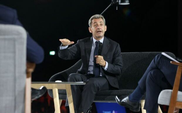 «Un grand humoriste»: Nicolas Sarkozy se paye Nicolas Hulot devant 1 200 personnes