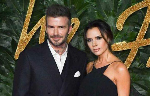 """Victoria Beckham s'amuse de ses premières apparitions avec David sur tapis rouge : """"On ne connaissait rien à la mode"""""""